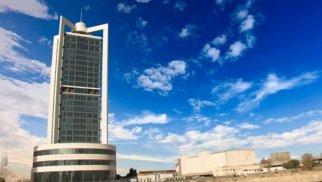 Neft Fondu hərracda satdığı dolları 207 milyon azaltdı