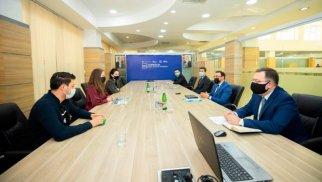 """Ülvi Mehdiyev """"500 Startups"""" şirkətinin nümayəndəsi ilə görüşdü - FOTO"""