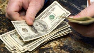 Birjalarda dollara tələb niyə azalır? - TƏHLİL