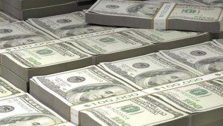 Dünyada mərkəzi bankların dollar ehtiyatları 25 illik minimuma enib