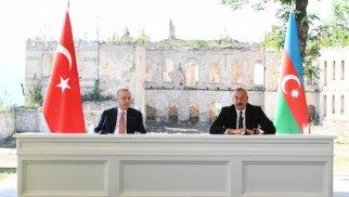 Azərbaycan və Türkiyə prezidentləri birgə bəyanatlarla çıxış edirlər