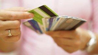 Əhali kreditləri plastik kartlarla almağa üstünlük verir