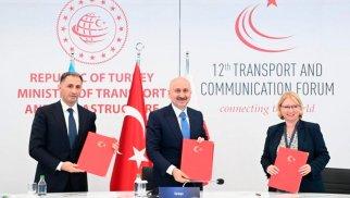 Bakı-Tbilisi-Qars dəmir yolu xətti ilə bağlı protokol imzalanıb