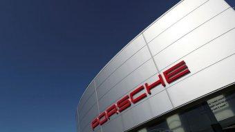 Porsche 1,6 min avtomobili Çin bazarından geri çağıracaq